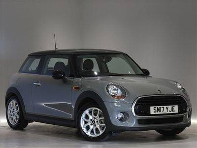 View the 17 Plate MINI Cooper D Online at Peter Vardy