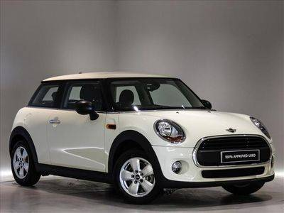 View the 17 Plate MINI One D Online at Peter Vardy