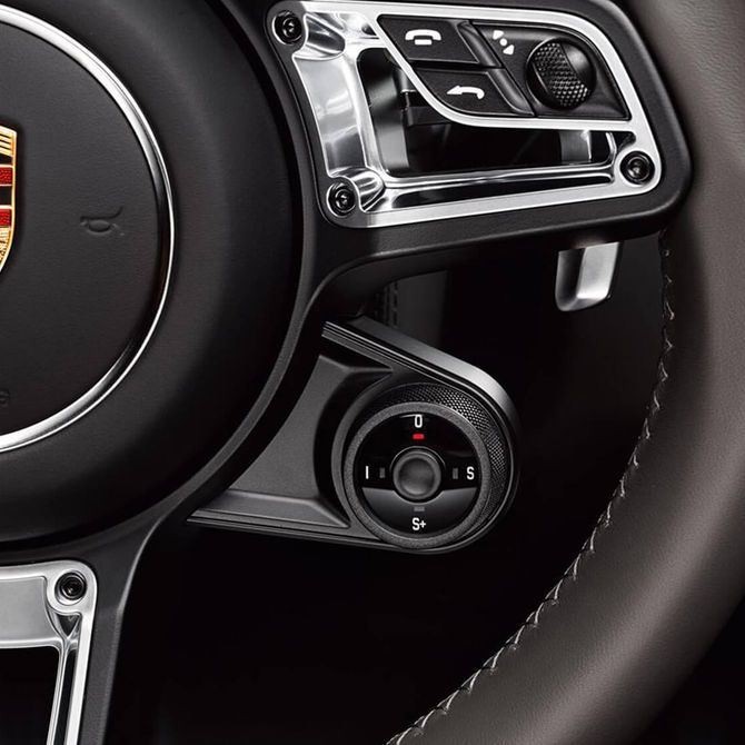 Porsche Boxster Sports Steering Wheel | Peter Vardy