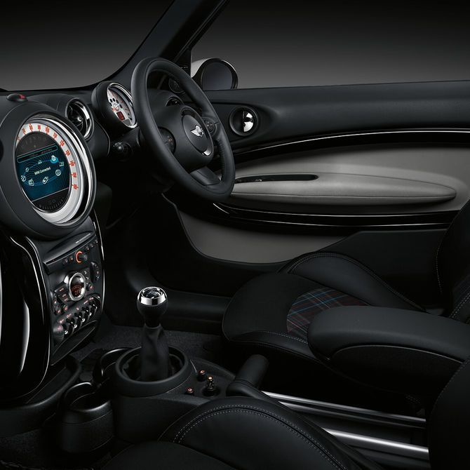 MINI Paceman Features | Peter Vardy