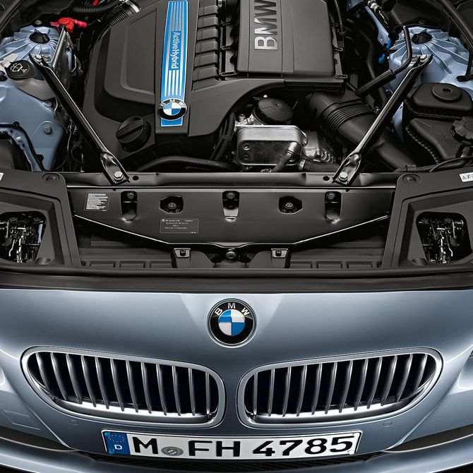 BMW Active Hybrid 5 Engine | Peter Vardy Edinburgh