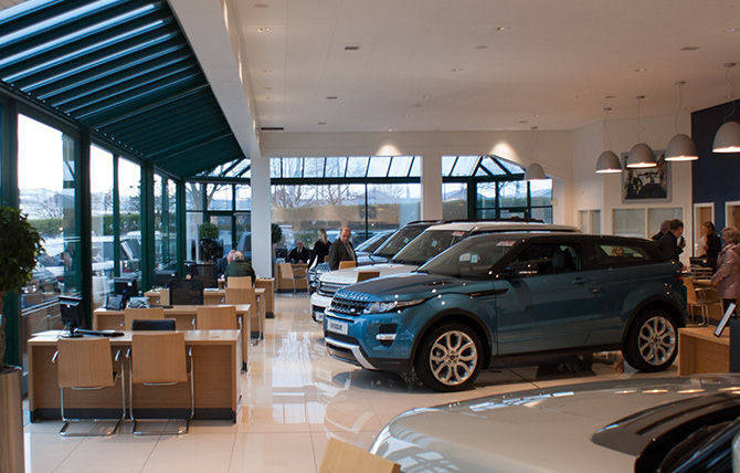 Peter Vardy Aberdeen Official Land Rover Dealer